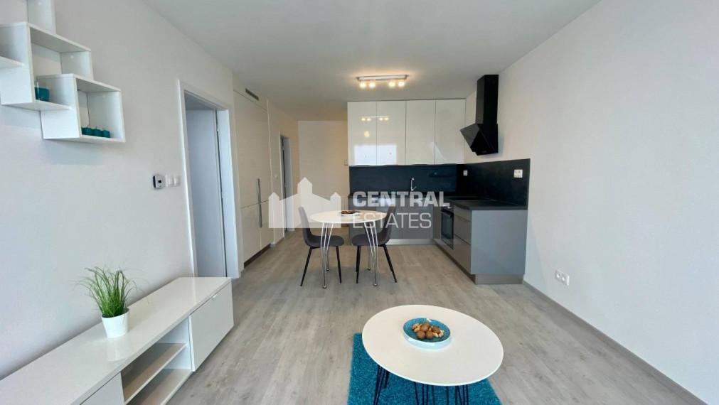 Krásny 2i byt s balkónom na prenájom v novostavbe v Petržalke