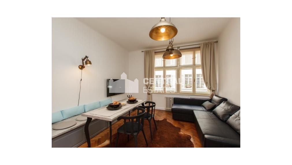 Krásny dizajnový 2i byt so saunou na prenájom v Starom meste
