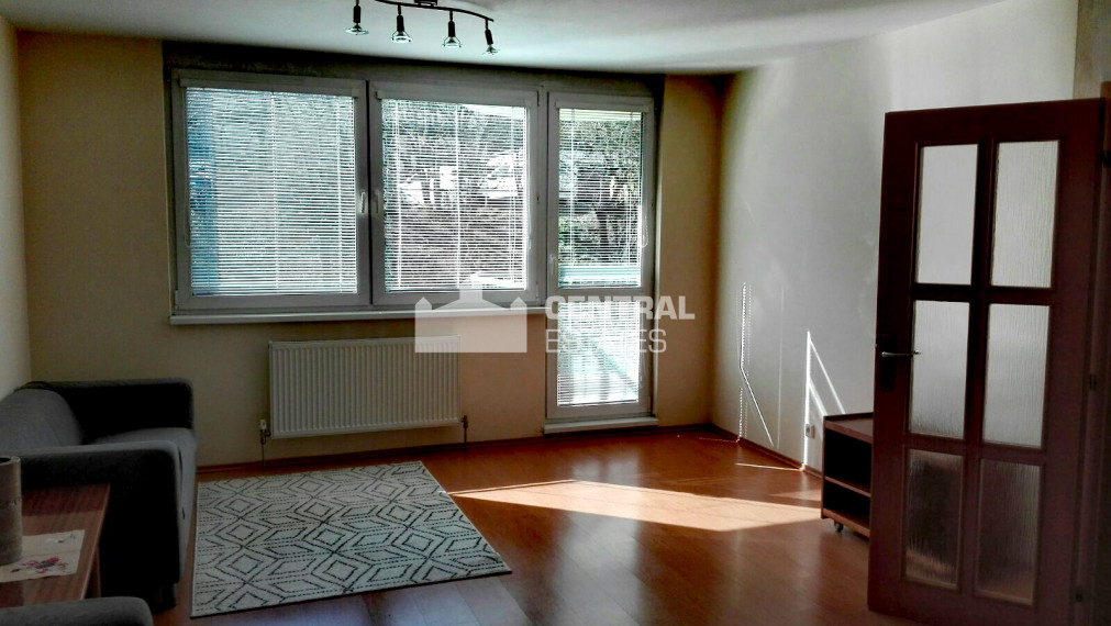 Priestranný 3i byt s balkónom na prenájom v Dúbravke