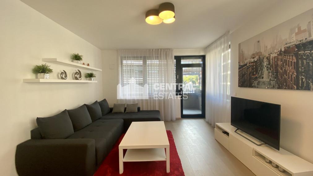 Priestranný 2i byt v novostavbe s balkónom a parkovaním na prenájom v Starom meste